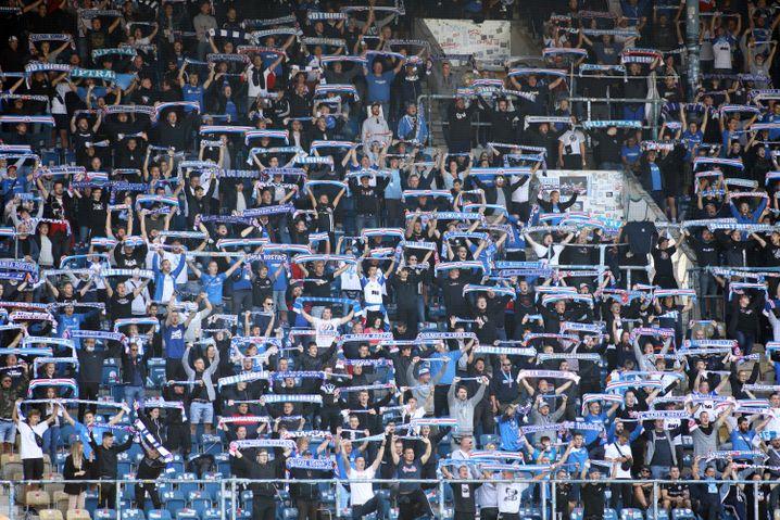 So sah es am Sonntag im Pokalspiel zwischen Rostock und Stuttgart auf der Tribüne aus