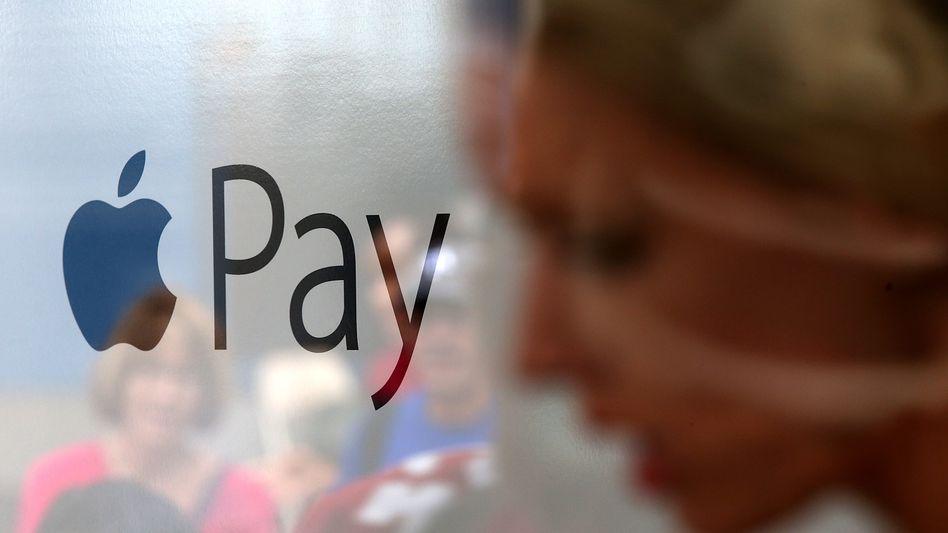 Logo von Apple Pay (Archivbild): Regulierung wie für Bankdienstleistung?