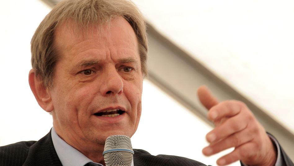 Carl Ahlgrimm, noch Bürgermeister der Gemeinde Großbeeren (Archivbild 2014)