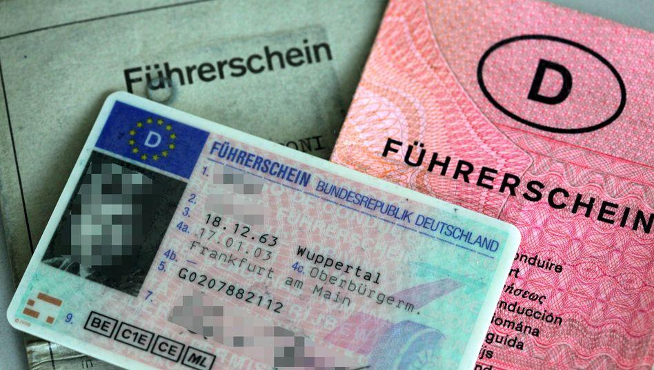 Drei Generationen deutscher Führerscheine