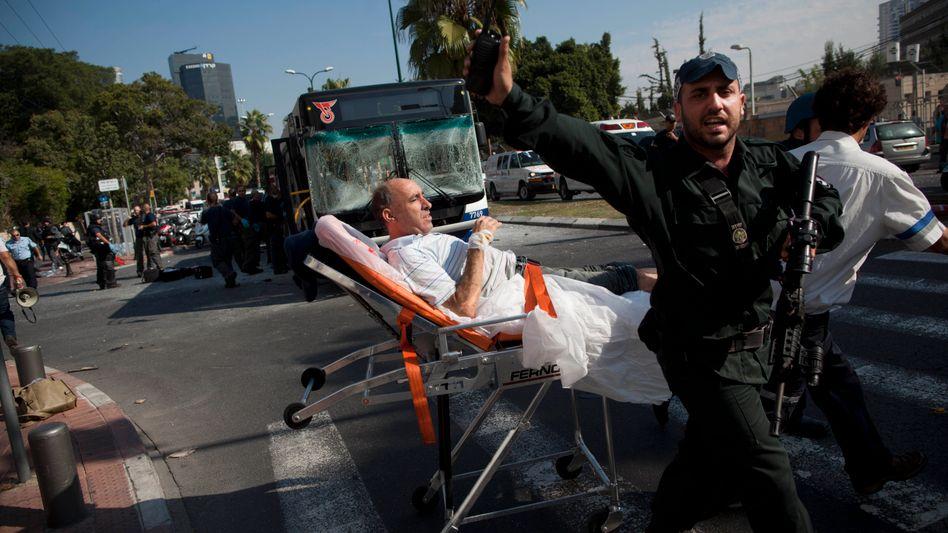 Attentat in Israel: Viele Verletzte bei Anschlag auf Bus in Tel Aviv