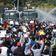 Mit Wasserwerfern und Ausgangssperren gegen die Proteste
