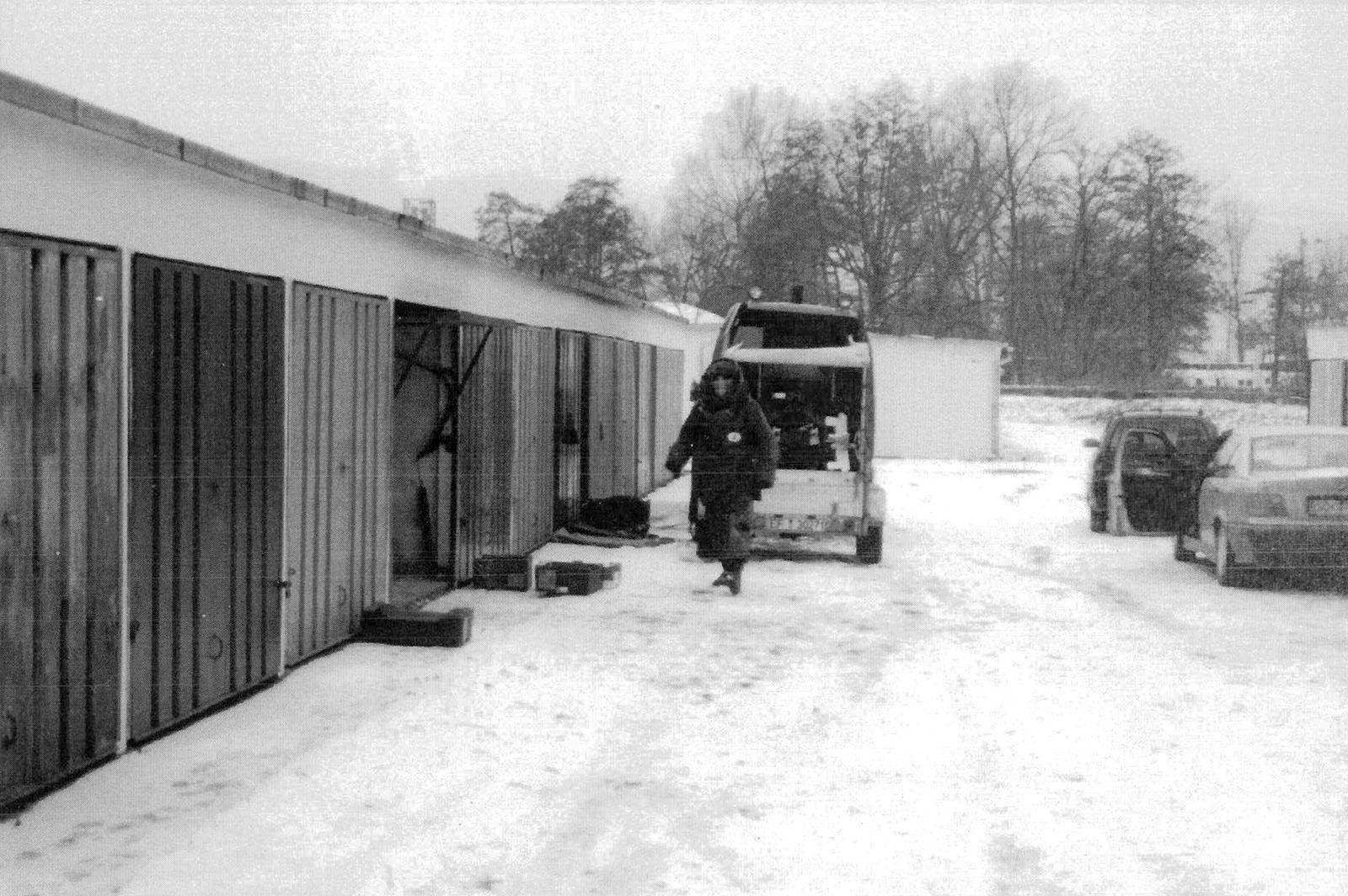 EINMALIGE VERWENDUNG NSU/ Garage/ Ermittlungen