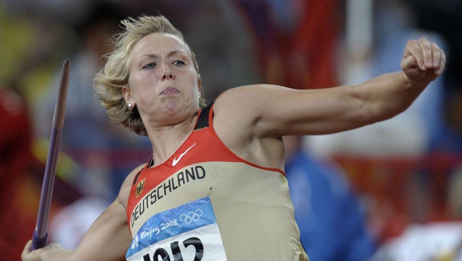 Christina Obergföll weiß es in dem Moment noch nicht - aber sie wirft hier zu Silber