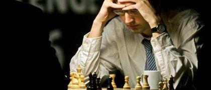Wladimir Kramnik während der zweiten Partie: Der Rechner verzeiht keinen Fehler