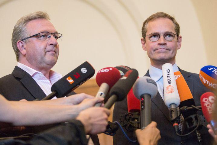 Innensenator Frank Henkel (CDU) und der Regierende Bürgermeister Michael Müller (SPD)