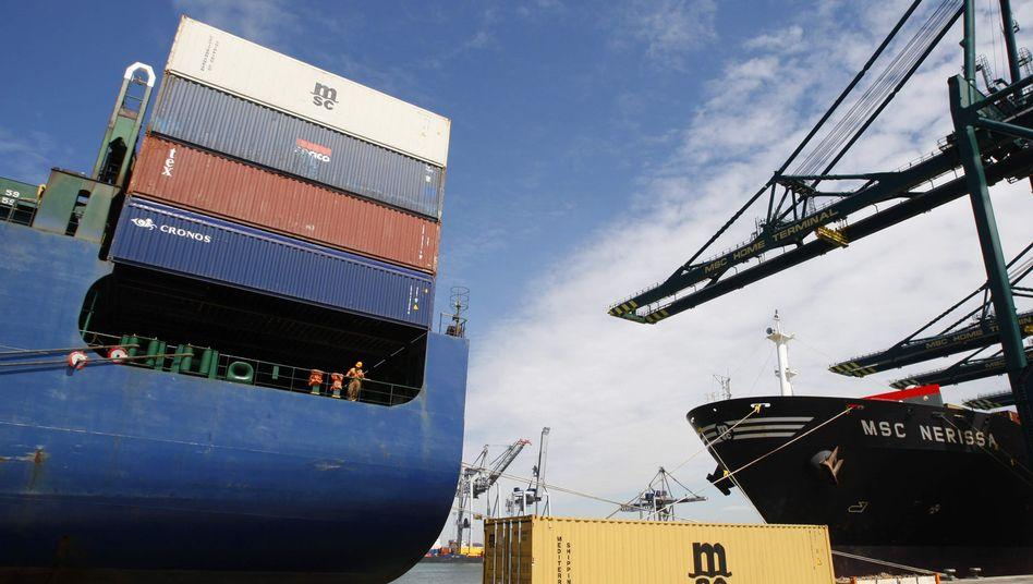 Containerschiffe in den Niederlanden
