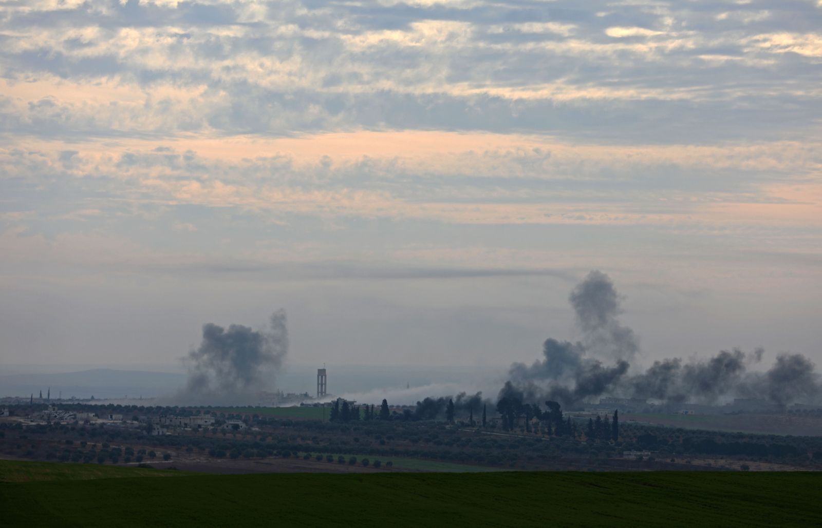 Syrien/ Idlib/ Luftangriffe