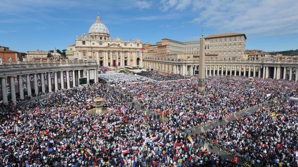 Heiligsprechung von zwei Päpsten: Die heilige Show