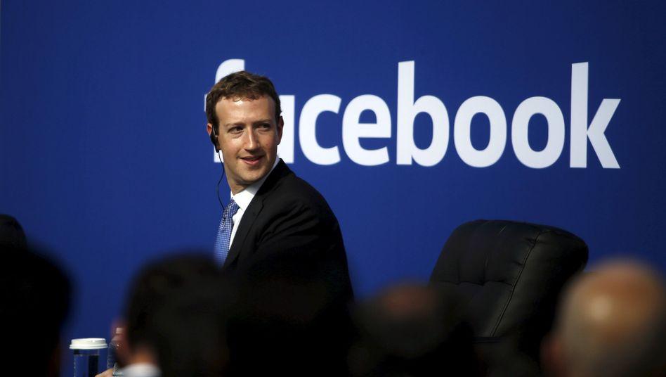 Facebook-Chef Zuckerberg (Archivbild): Juristischer Ärger in Deutschland