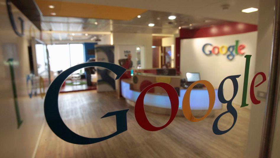 Google-Logo in Konzernbüro