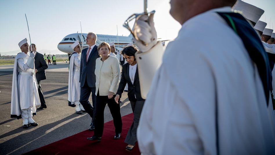 Merkel bei der Ankunft in Marokko