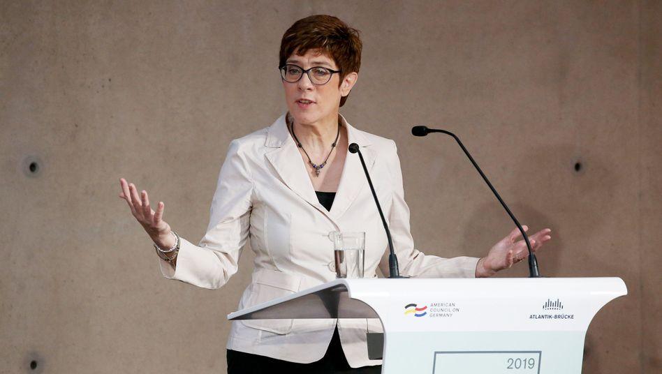 Annegret Kramp-Karrenbauer bei der Deutsch-Amerikanischen Konferenz der Atlantik-Brücke