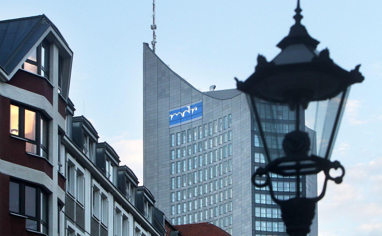 Funkhaus des MDR Mitteldeutscher Rundfunk am Augustusplatz in Leipzig, Sachsen, Deutschland *** Broadcasting centre of M