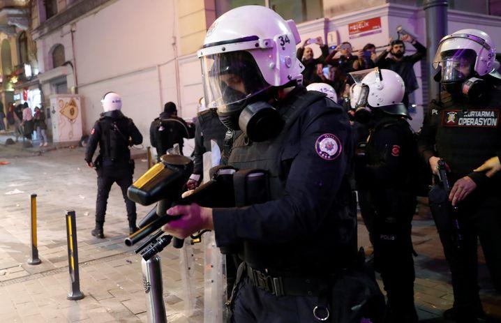 Polizei in Istanbul mit Gummigeschossen