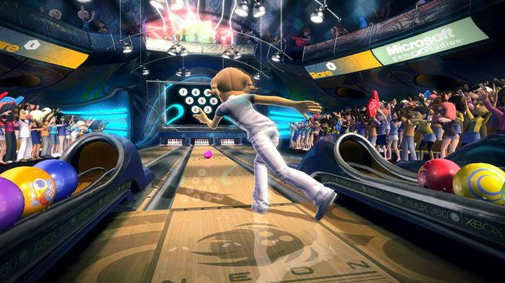"""Bowling in """"Kinect Sports"""""""