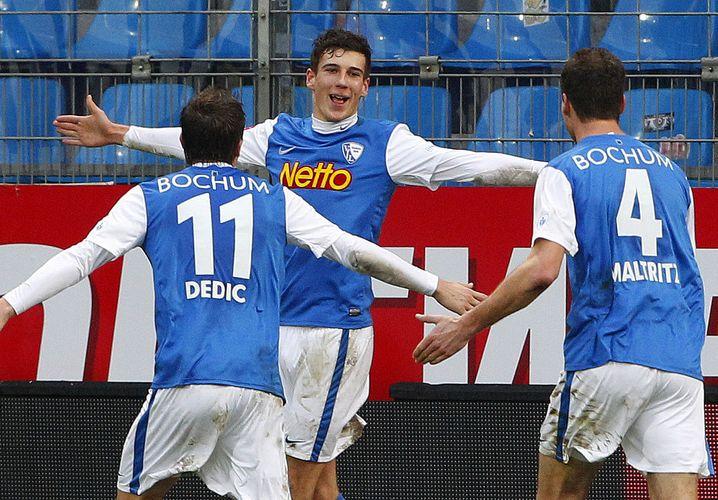 Mit 17 Jahren debütierte Goretzka (M.) in der Zweiten Liga für den VfL Bochum