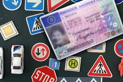 Führerschein: Übungsmaterial für Prüfung kostenlos im Netz