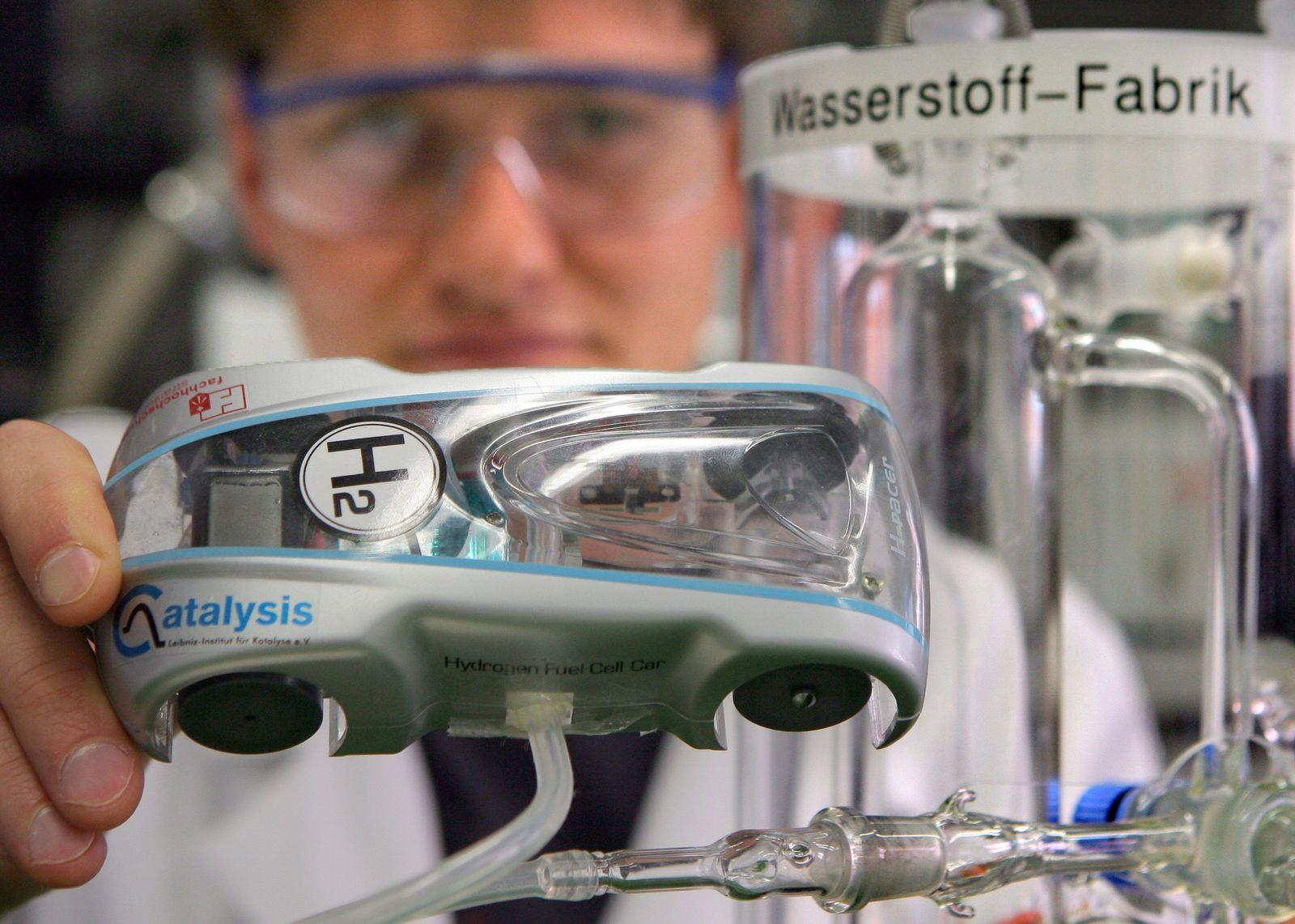 Demonstrationsmodell eines Wasserstoff-Autos