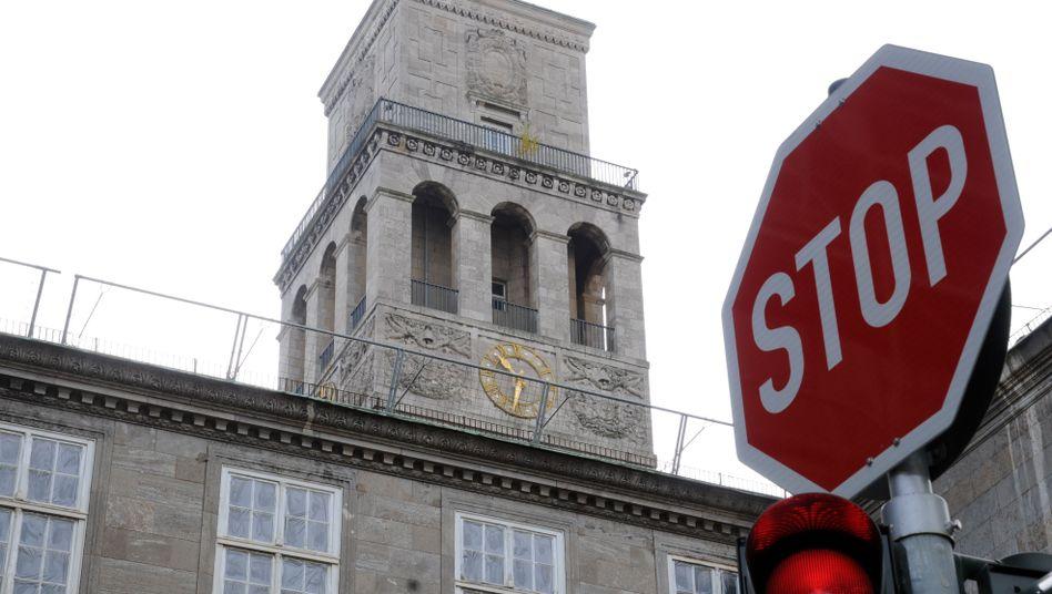 Rathaus in Mülheim an der Ruhr: Aufforderung zur Ausreise