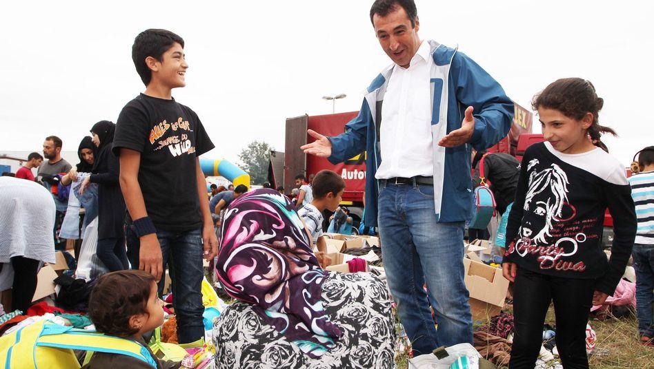 Cem Özdemir beim Willkommensfest in Heidenau: Solidarität mit den Flüchtlingen