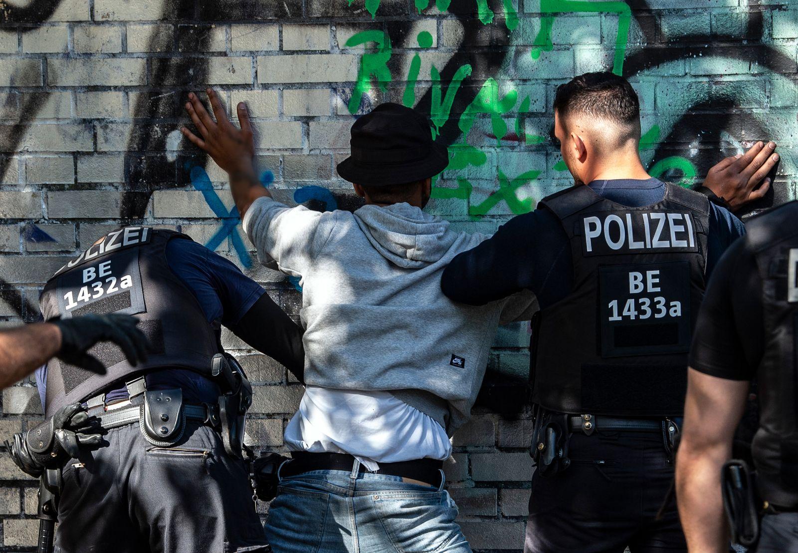 Rassismus und Beleidigungen im Polizeialltag