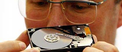 Scharfer Blick auf geheime Datenmengen: Auf gebraucht verkauften Festplatten bleibt oft mehr zurück, als dem Vorbesitzer lieb ist