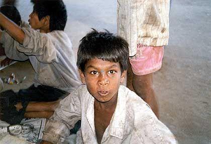 Straßenkind in Bangalore: Misshandelt und hungrig
