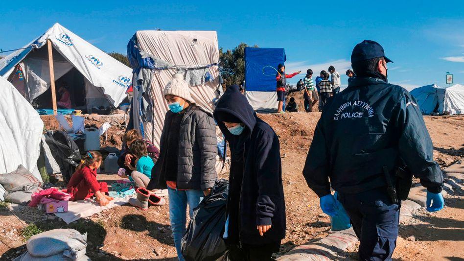 Geflüchtete Kinder im temporären Lager bei Kara Tepe: Noch ein Winter im Schlamm?