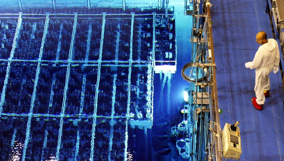 Wartungsarbeiten im defekten AKW Krümmel im Jahr 2009