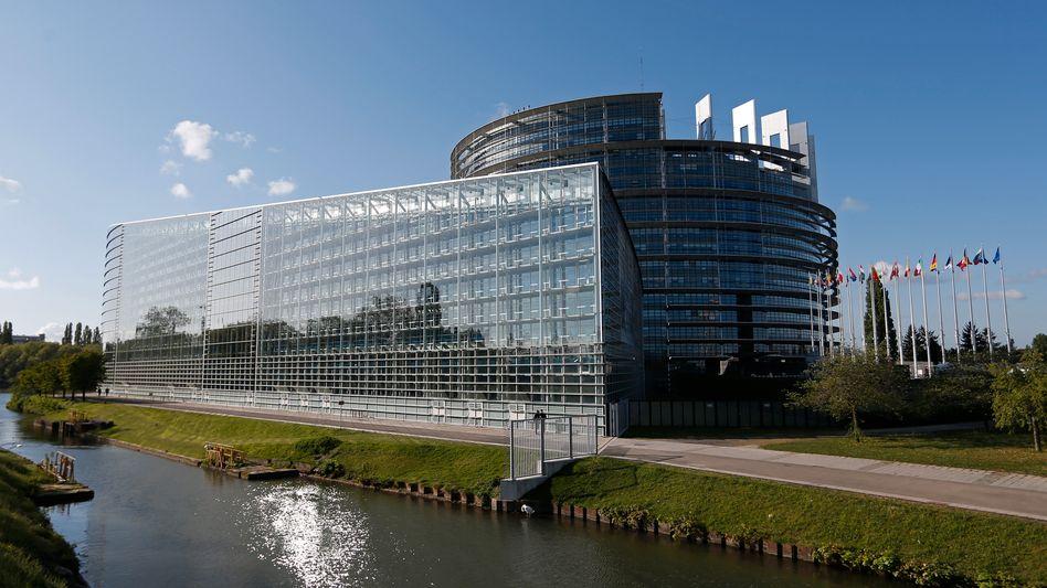 EU-Parlament in Straßburg (Archivfoto): Streit wegen Reise in Coronazeiten