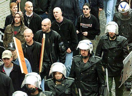 Neonazi-Demo in Neumünster: Polizeigewerkschaft befürchtet Eskalation