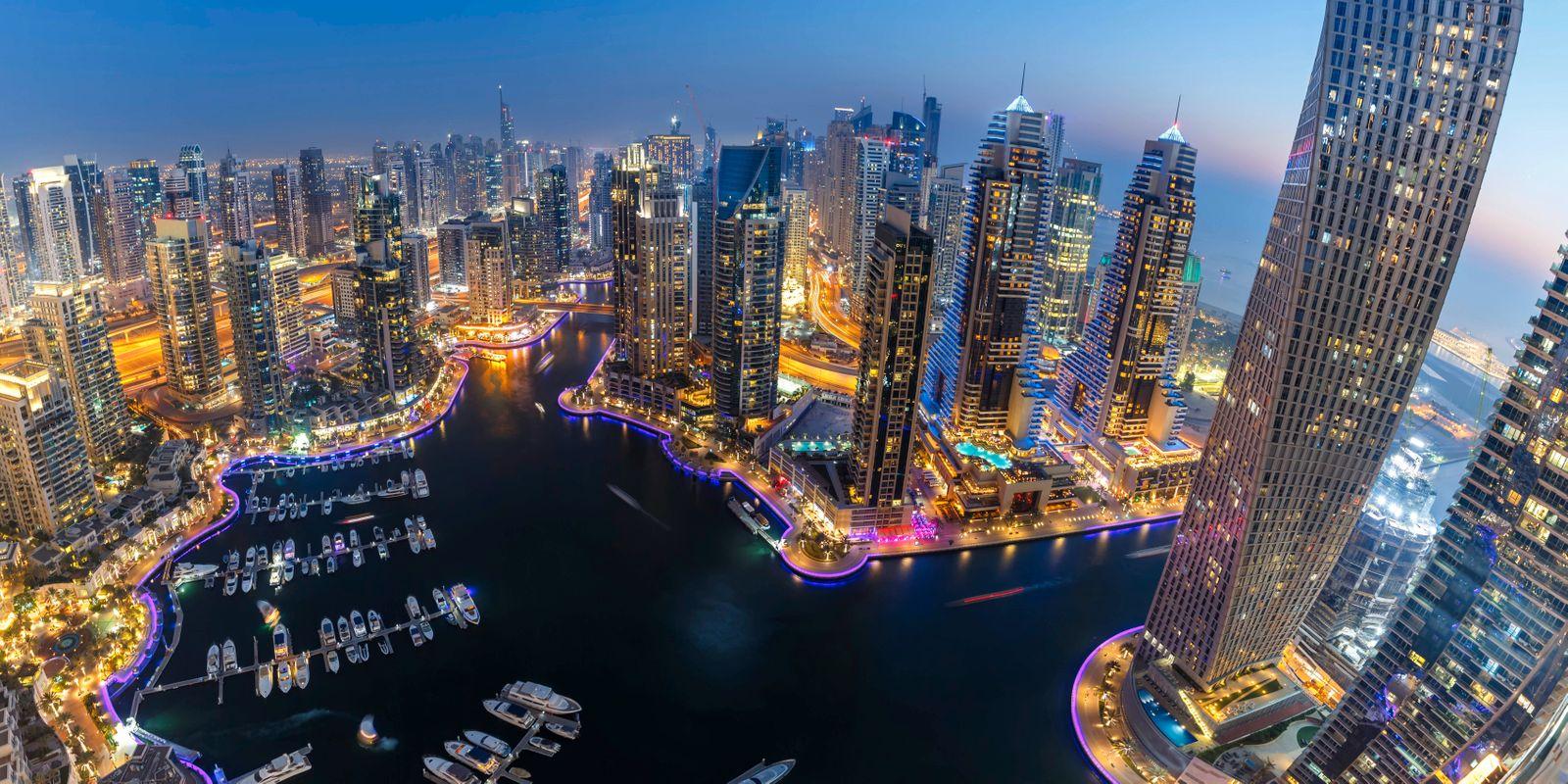 Dubai Marina Hafen Skyline Architektur Urlaub ?bersicht in Vereinigte Arabische Emirate bei Nacht Panorama Dubai, Verein