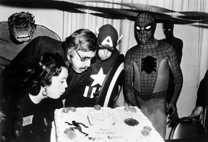 Stan Lee mit Ehefrau Joan 1975 bei einer Marvel-Party