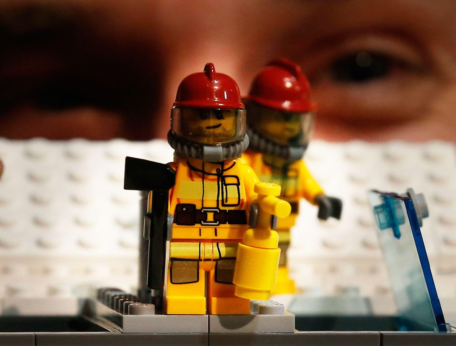 Lego / Feuerwehr / Feuerlöscher / Feuer