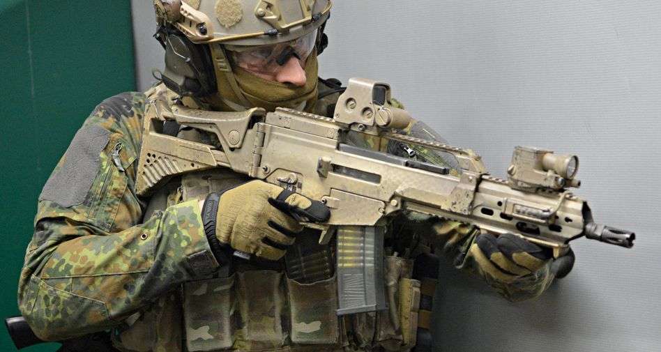 KSK-Soldat mit G36-Sturmgewehr (Archivfoto)