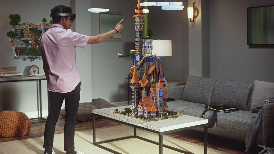 """""""Minecraft"""" mal anders: Nur der HoloLens-Träger sieht die auf einen Tisch projizierte Welt"""