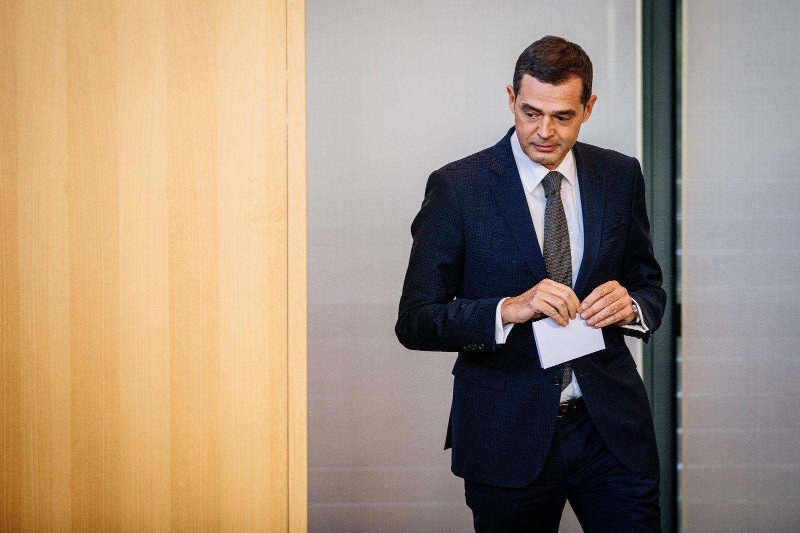 Erfurt , 050220 , 7. Plenarsitzung am 5. Februar , Sondersitzung des Thüringer Landtags zur Wahl eines Ministerpräsiden