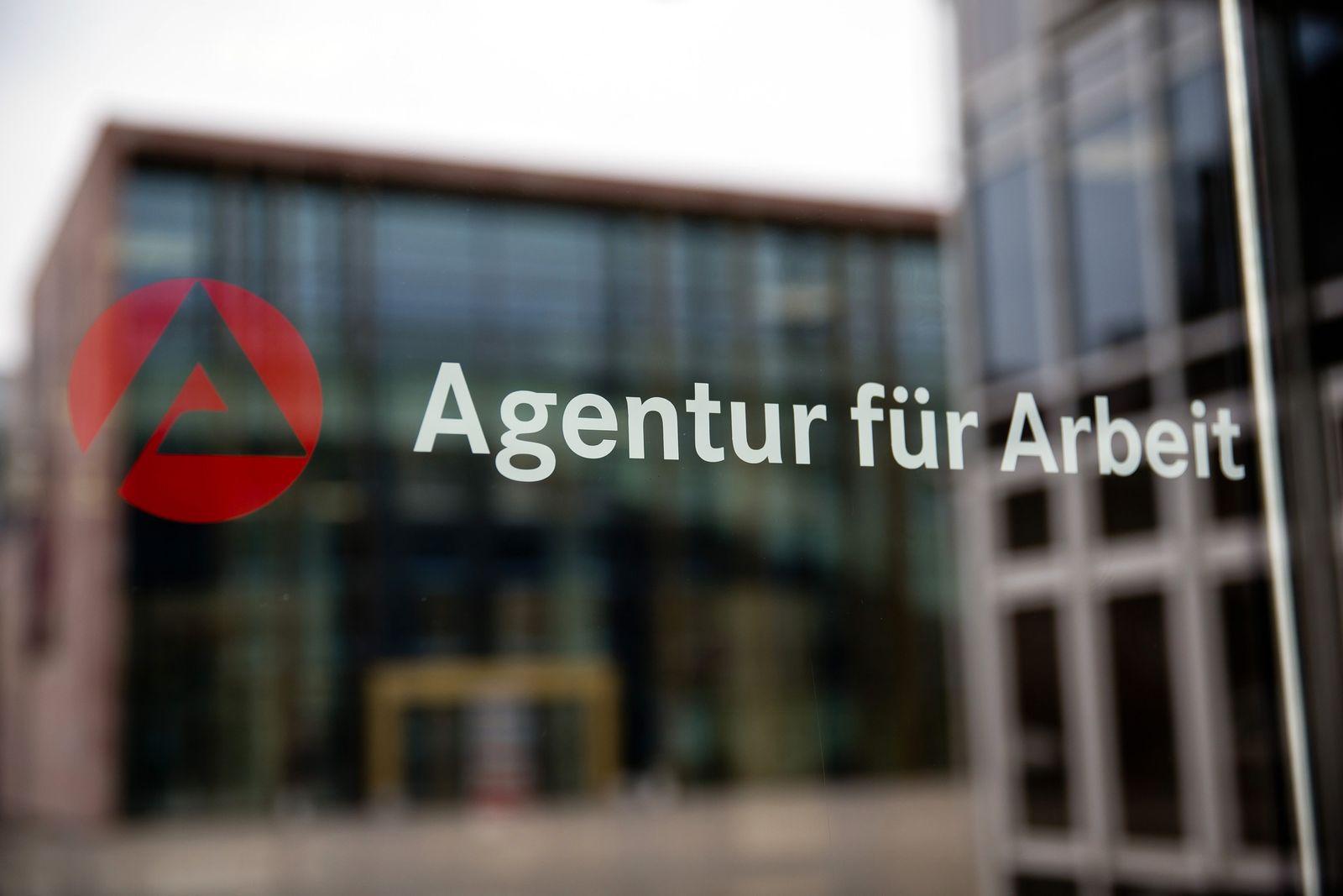 Bundesagentur für Arbeit / Agentur für Arbeit / Arbeitslosigkeit / Arbeitsagentur / Hartz-IV / Agend