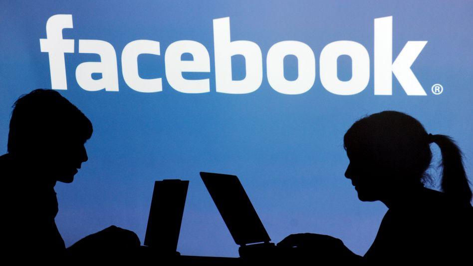 Facebook-Logo: Frage nach Verantwortung der Eltern