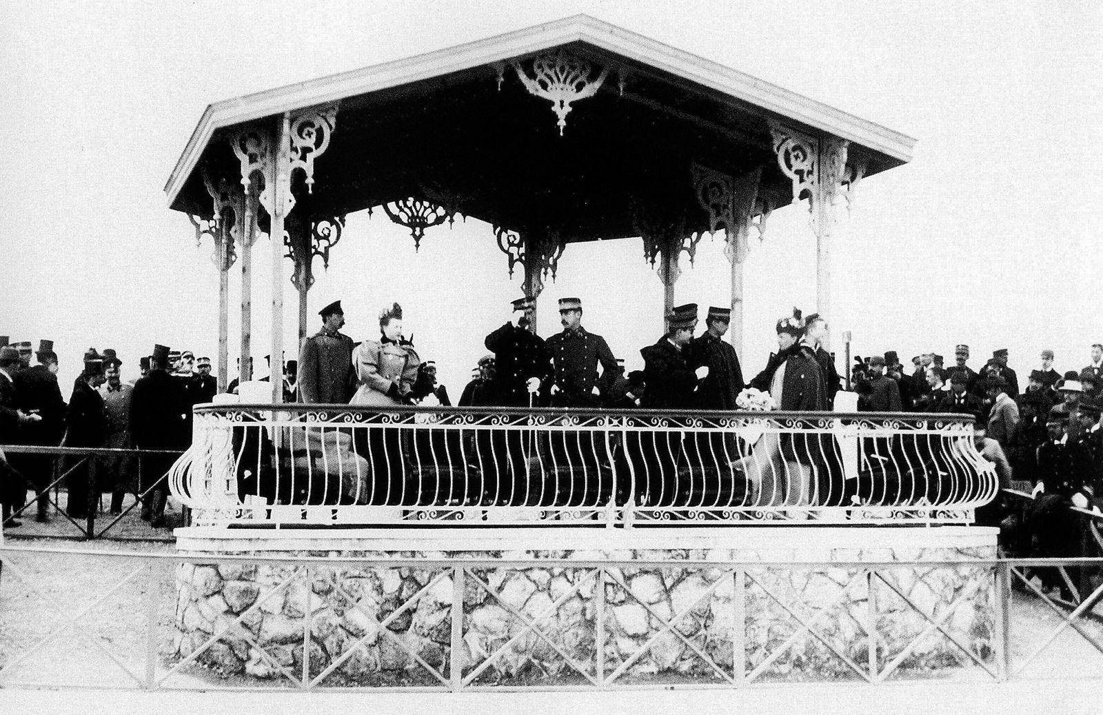 Olympische Spiele Athen 1896: Der Königliche Pavillon im Velodrom bietet die besten Plätze