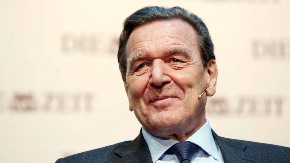 """Ex-Kanzler Schröder am Sonntag bei einer """"Zeit""""-Matinee in Hamburg: """"Anfangsfehler"""" der EU, Völkerrechtsverstöße von Putin"""