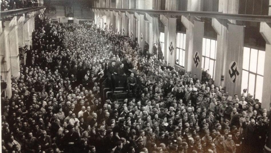 Conti-Betriebsappell 1942: Reifen für den Sieg