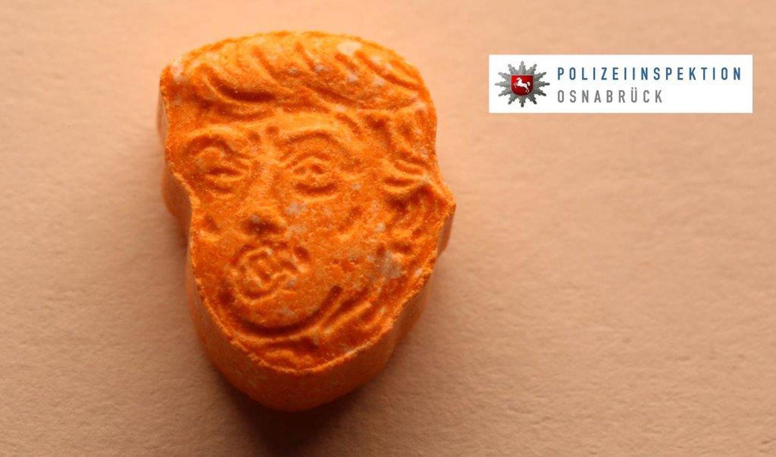 Polizei stellt Ecstasy-Tabletten mit Trump-Konterfei sicher
