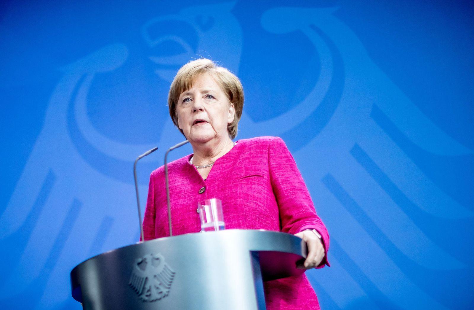 Bundeskanzlerin Merkel trifft Stoltenberg
