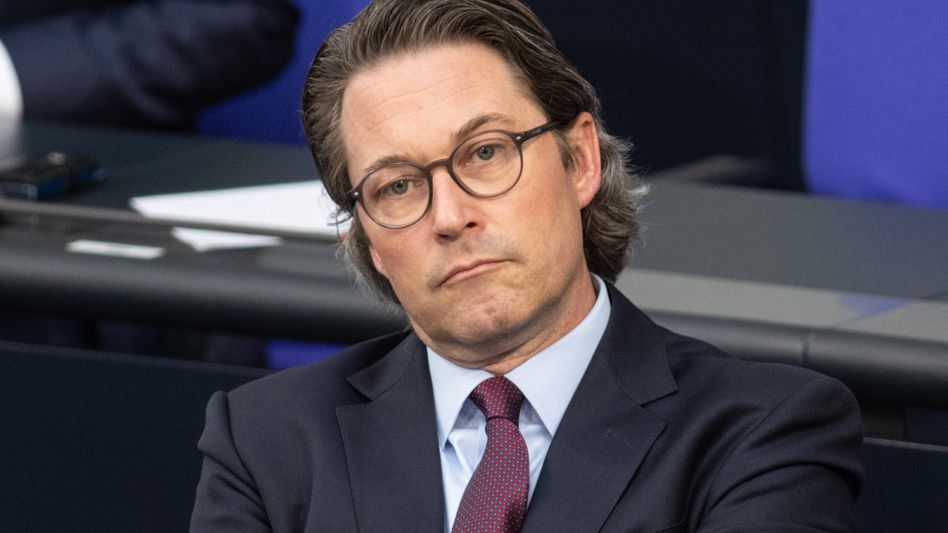 Minister Scheuer:Externen Juristen freie Hand gelassen
