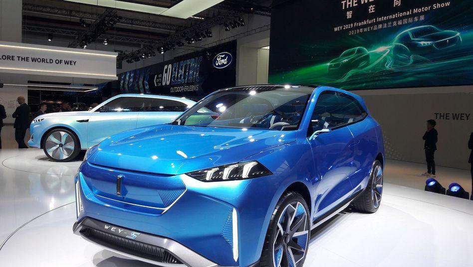 In China sinkt der Absatz von Elektroautos um rund ein Drittel