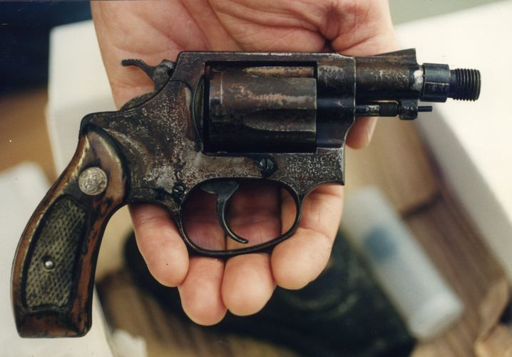 Tatwaffe Revolver Smith & Wesson, verwendet bei der Anschlagsserie in Schweden