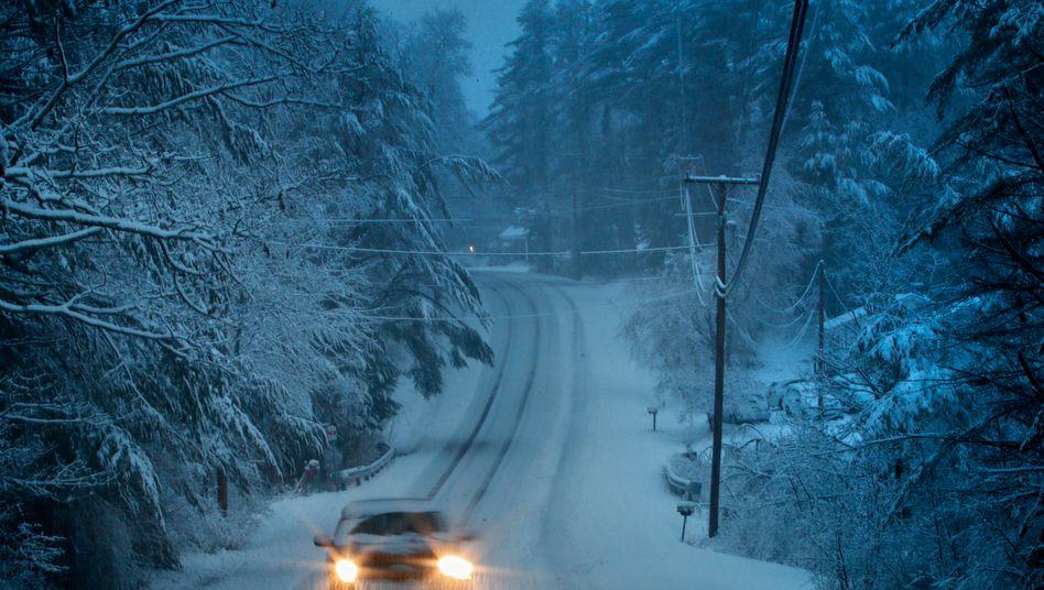 Unfallgefahr: Ein Auto ist in der Nähe von Freeport in Maine unterwegs