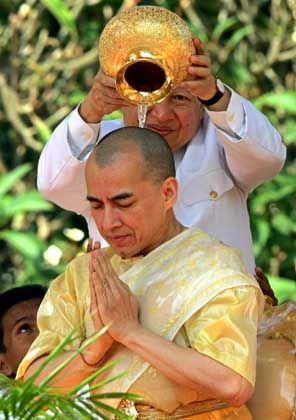 Neuer König Norodom Sihamoni: In prunkvoller Zeremonie gekrönt